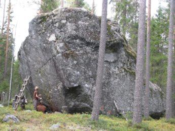 Isokivi, kuvannut Matti Leiviskä